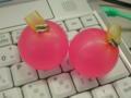 青森土産のゴムに入ったリンゴゼリー。大きさといいプニプニ感といい