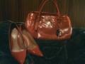おはらー♪本日はPRADAのアンティーク調赤バッグに、ロッシの赤パンプ
