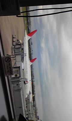 @ayu_19980408 福岡空港なう。雲ってるよぉ〜。今から京都まで帰るぜベイ