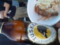そしてやっぱりビールもすき。写真部、沖縄エイサー観ながらケニア産