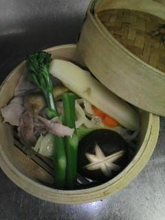 今日のおすすめ♪豚肉と野菜のせいろ蒸です(^o^)