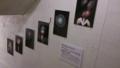 グリカフェ入口階段で花火写真展、始まりました。