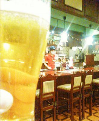 二次会は、東京駅八重洲口のローズ&クラウン、ひとり飲みでほっとし