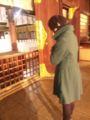 カウントダウンパーティー後、若宮神社で雪の中初詣。