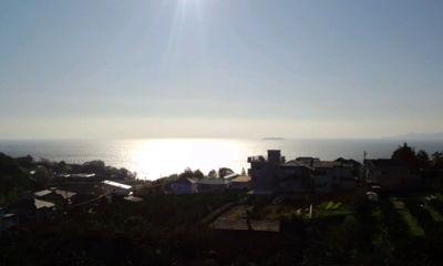久々に日の出をみた。お天気快晴で気持ちいい。相模湾が光ってた。