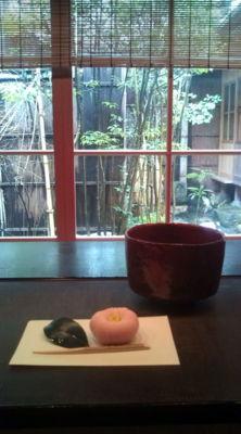 ひがし茶屋街の国重要文化財の志摩にて、お茶を頂きました。