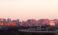 ベランダから見えるビルが、ピンクに染まってた!