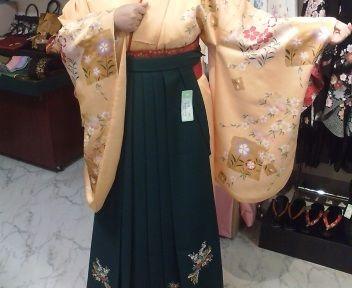 袴これに決まったー!わーいわいわい好きな色があってよかった!尼崎