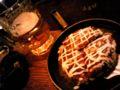 お好み焼き& ビール& 楽しい会話… 最高の相性!