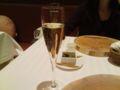 予約済みのオマージュに。まずはシャンパを。しゅわ〜。 L:台東区浅草