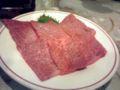 裏メニューのサンカクという肉。網にちょっと乗せただけで食べる…。