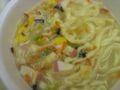 麺はおうどん スープはラーメン風   何となく 無難なお味