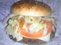 やはり迫力のあるハンバーガーです。 #oyajibu