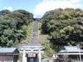 お墓を磨いて、神社の石段(ここで寅さんの撮影もあったらしい!)登
