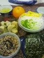 今日のお弁当。大根とかいわれとパプリカの手巻き海苔、高野豆腐、玄