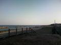 今日は軽めに15kmRUN。折り返し地点はいつもの海。