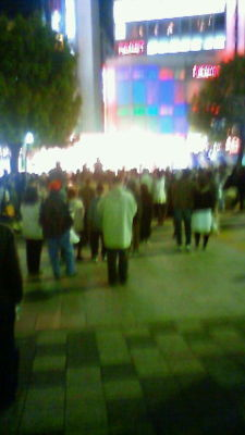 赤羽馬鹿祭。駅前ステージはまだまだ盛り上がってます。オヤジバンド