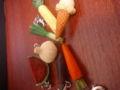 野菜のキーホルダー。最近のは100円でもよくできていると感心!