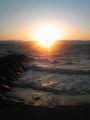 今日も強風!海に沈む夕日です〓