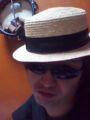 チャリキチ帽子かぶってみた。ムリがあるにゃ。