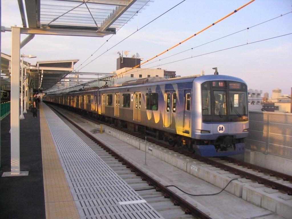 高架化されたばかりの元住吉駅の下り通過線を走るY514F@元住吉駅(2006/9/24)
