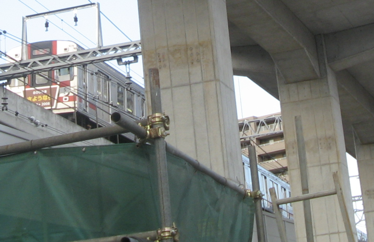 さよなら運転を終え、一旦武蔵小杉駅に向かう8017F(2018/1/13)