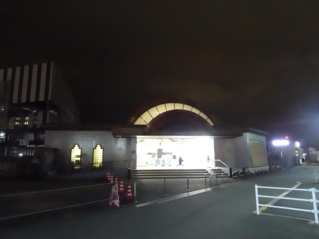 夜の東京モノレール天空橋駅概観(2020/1/25)