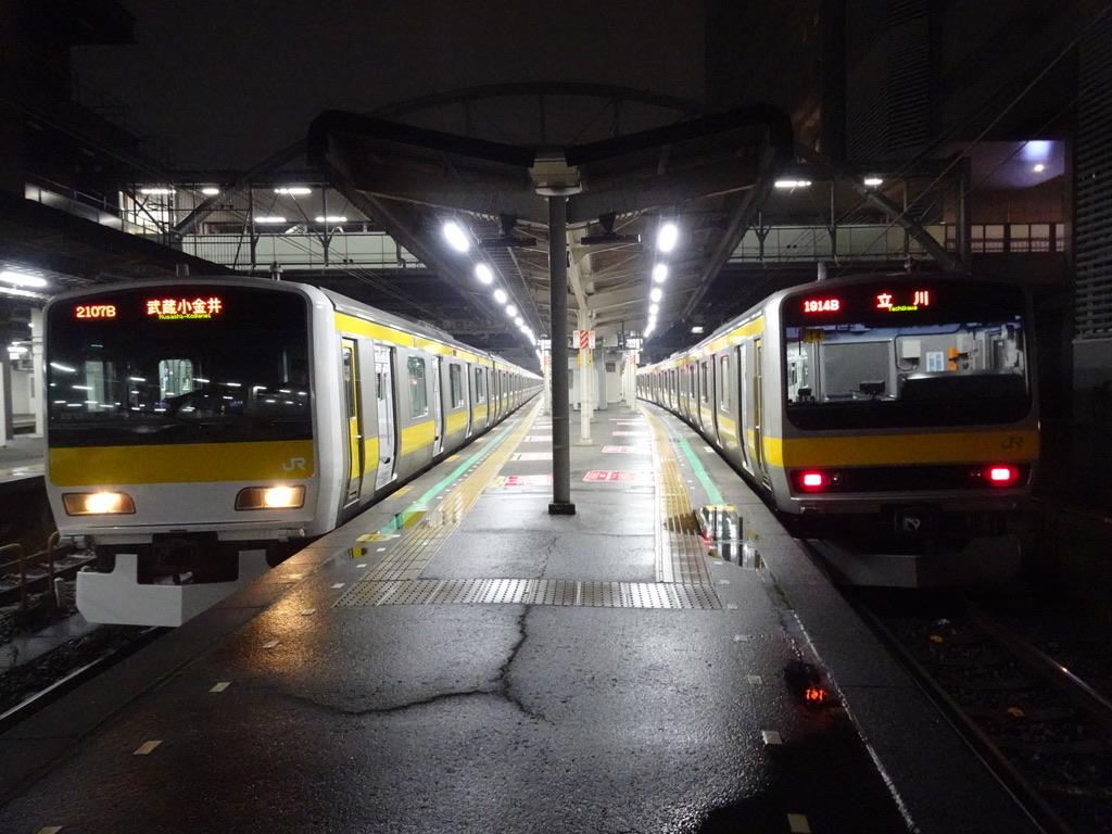 千葉駅2・1番線に並ぶ武蔵小金井行き・立川行き