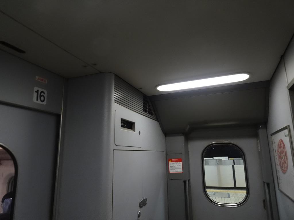 700系16号車デッキ(2020/2/5)
