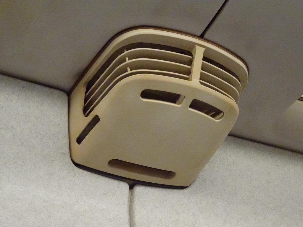 700系といえば、座席の上にある新幹線の顔に似た送風口(2020/2/5)