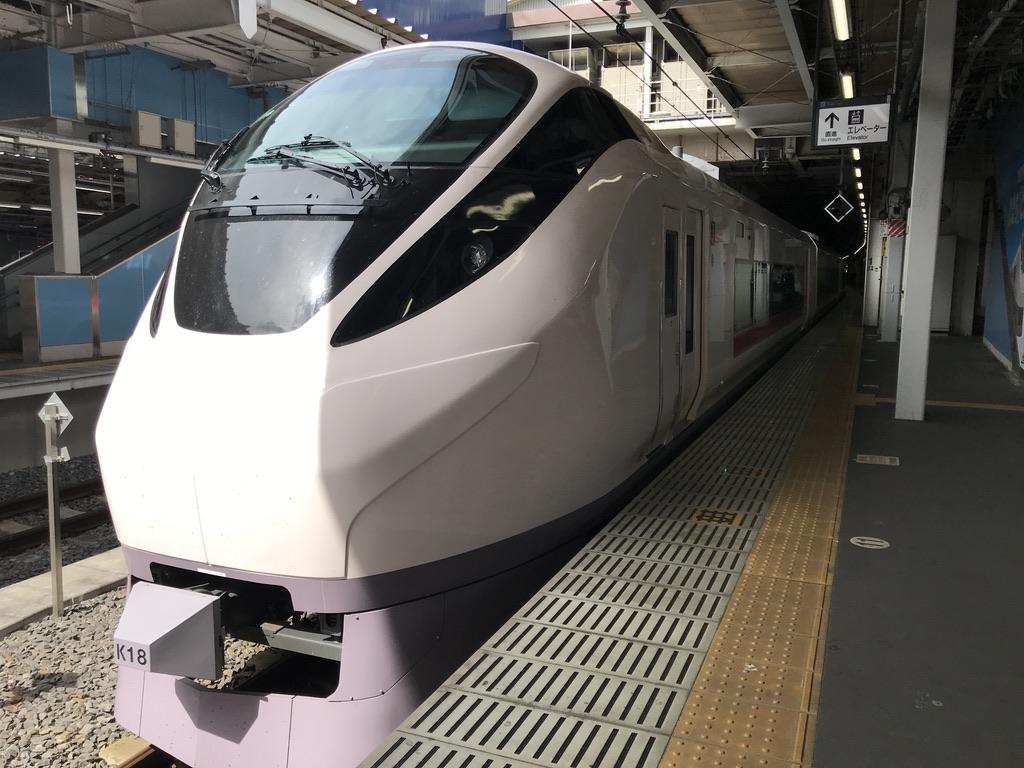 品川駅9番線に停車中のE657系特急ひたち13号仙台行き(2020/3/16)