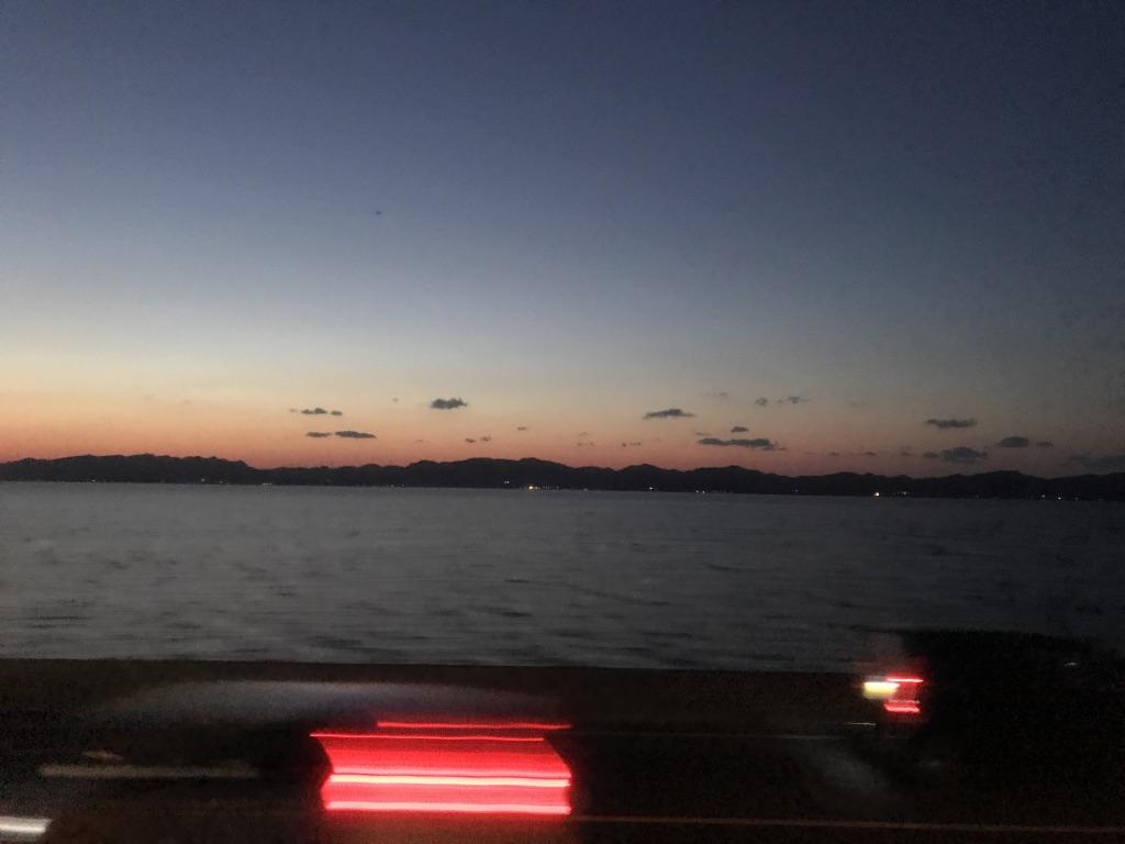 上りサンライズ出雲号 宍道駅出発直後の車窓(進行方向左・穴道湖側)(2019/4/12)