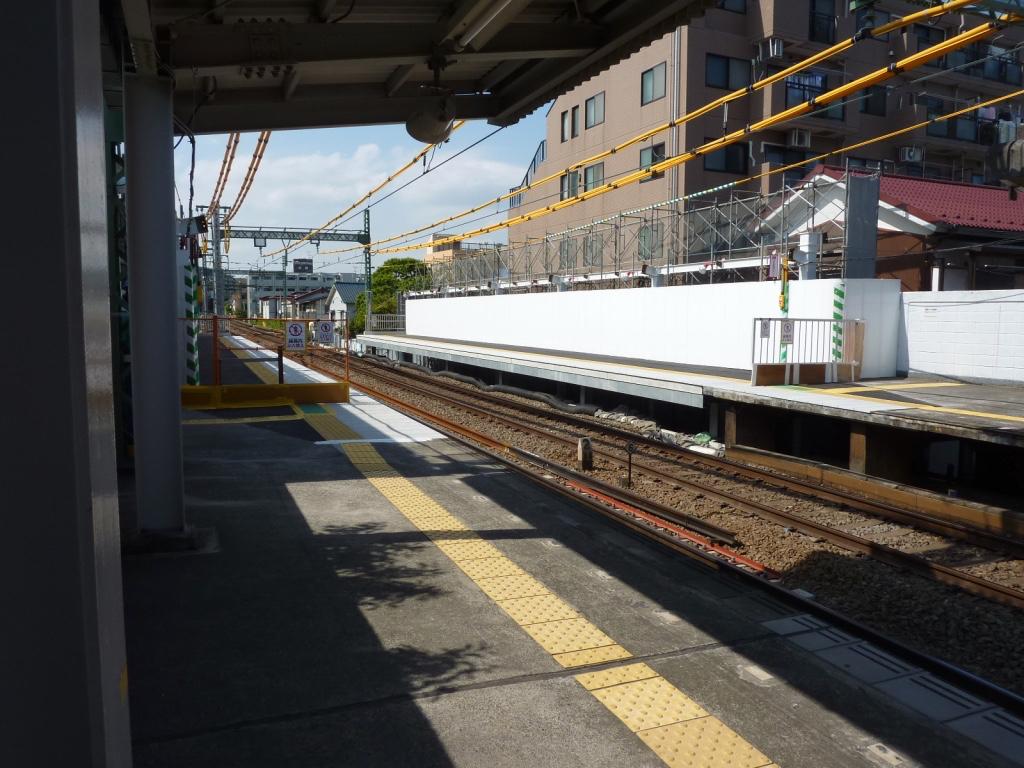 ホーム延伸部分解禁直前の杉田駅(2010/5/15)