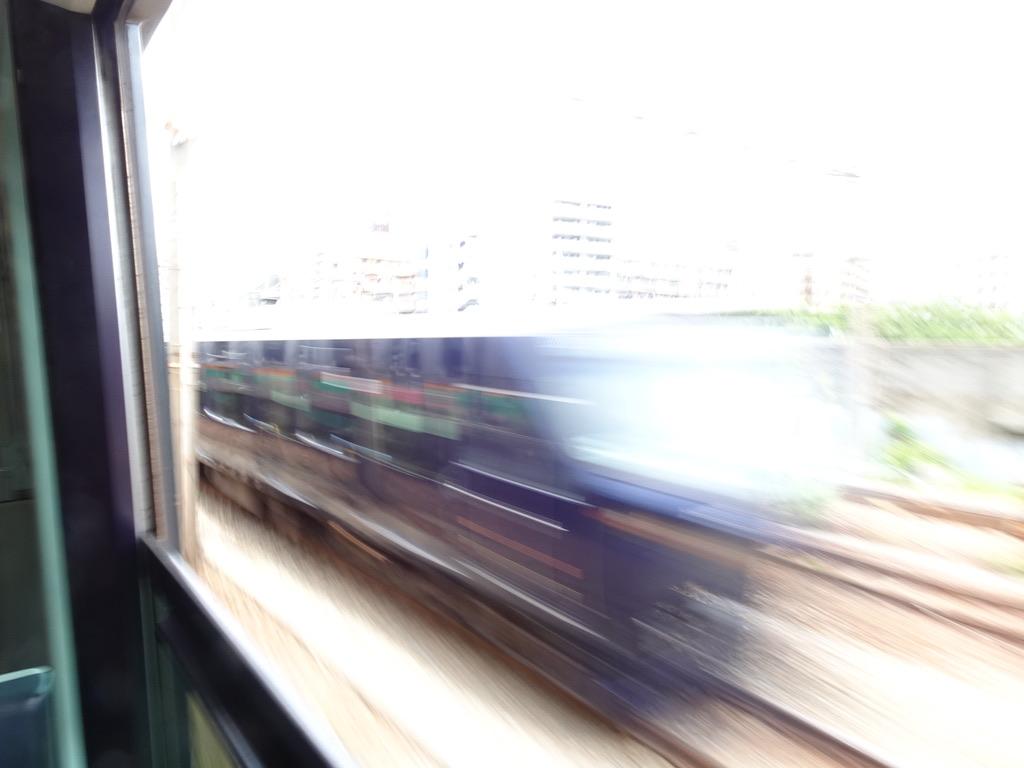 鶴見駅付近ですれ違った相鉄12000系大崎行き(2020/5/31)