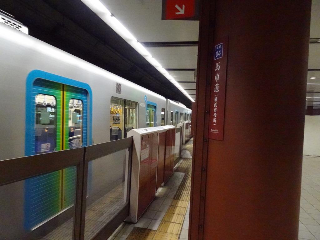 馬車道(横浜市役所)駅を通過する西武40000系Sトレイン送り込み回送(2020/6/6)
