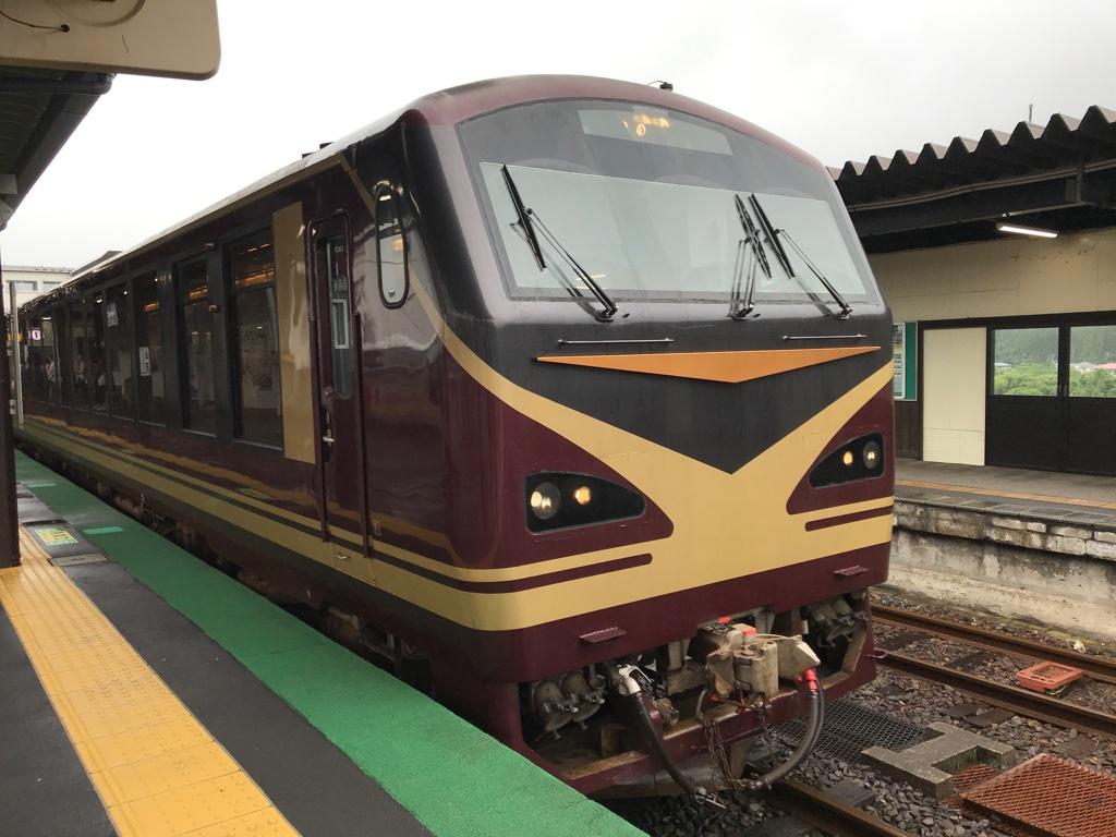 鳴子温泉駅1番線に到着したキハ48形リゾートみのり号仙台行き(2019/6/30)