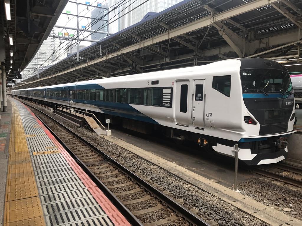 東京駅9番線で折り返し中のE257系踊り子6号→踊り子57号(2020/8/8)