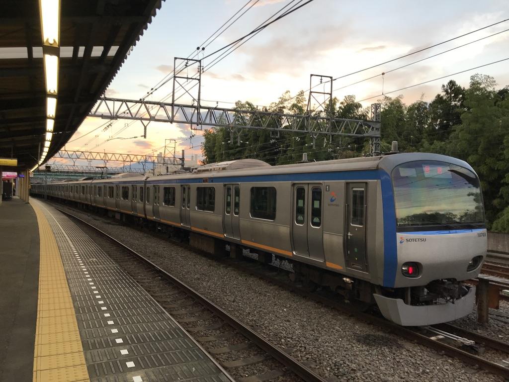 かしわ台駅横に留置されている8両編成10703F(2020/8/13)