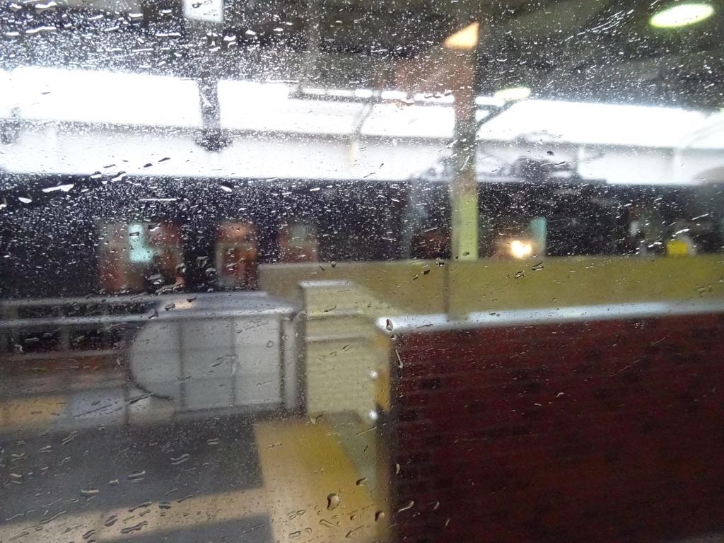松江駅に到着すると、目の前には先ほどみたWEST EXPRESS 銀河号が停車中