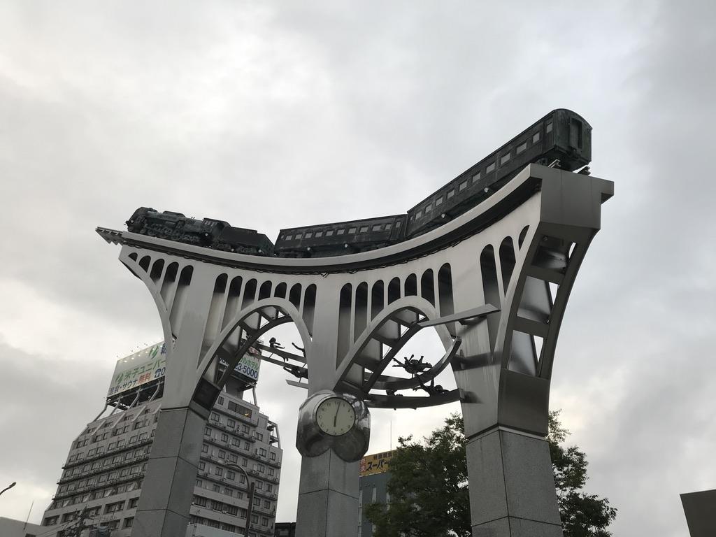 米子駅前の広場に展示されているSLのモニュメント(2020/9/12)