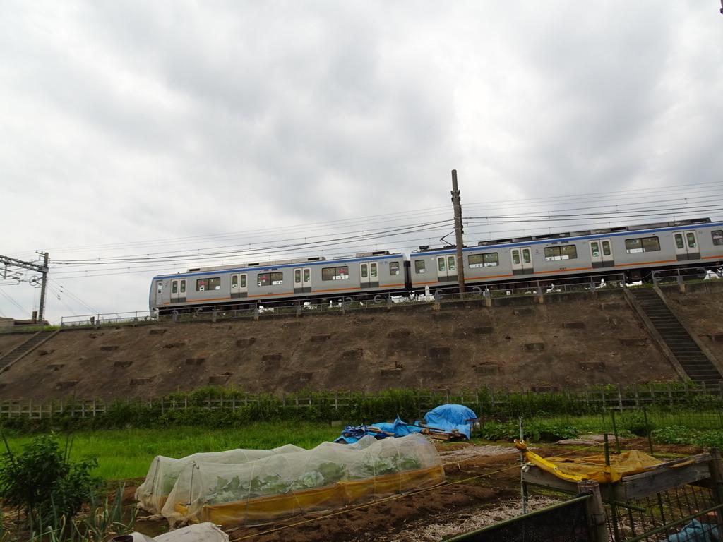 かしわ台-海老名間のちょうど真ん中付近を走行中の9701F回送(2020/9/22)