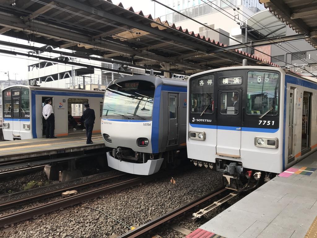 二俣川駅1番線に7754F、3番線に7751F(2020/10/18)