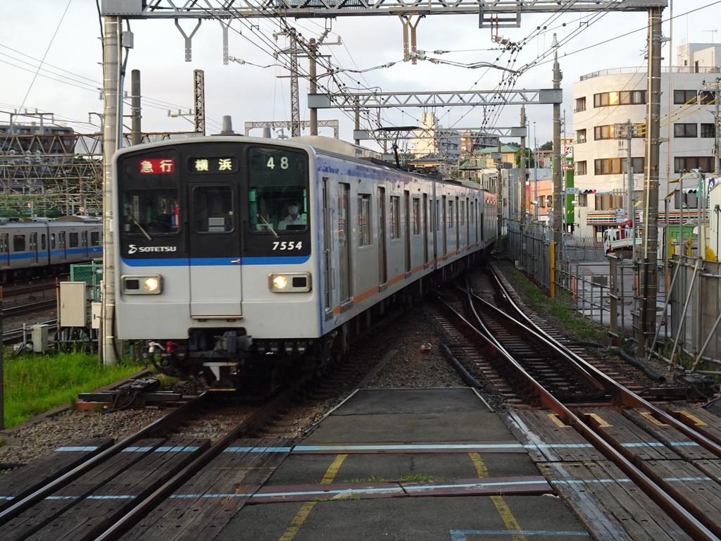 海老名駅に到着する7754F(特急→急行) (2020/7/19)