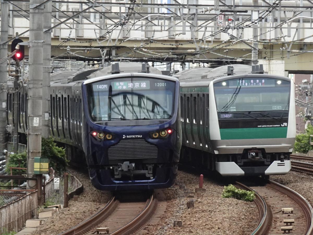JR五反田駅付近ですれちがう相鉄12000系とJR埼京線E233系(2020/9/19)