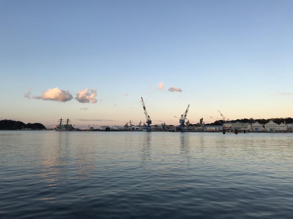 横須賀駅前のヴェルニー公園から見られる海の眺め(2021/1/2)