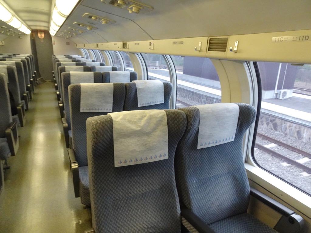 215系グリーン車2階席C・D列側(2020/10/4)