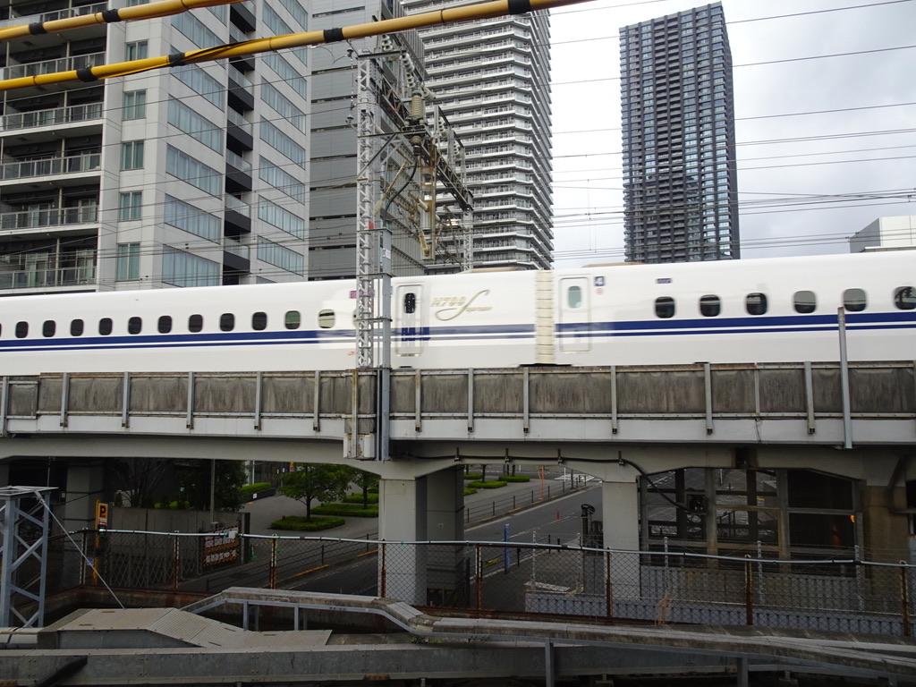 武蔵小杉駅付近を通過したN700Sひかり633号新大阪行き(2021/3/28)