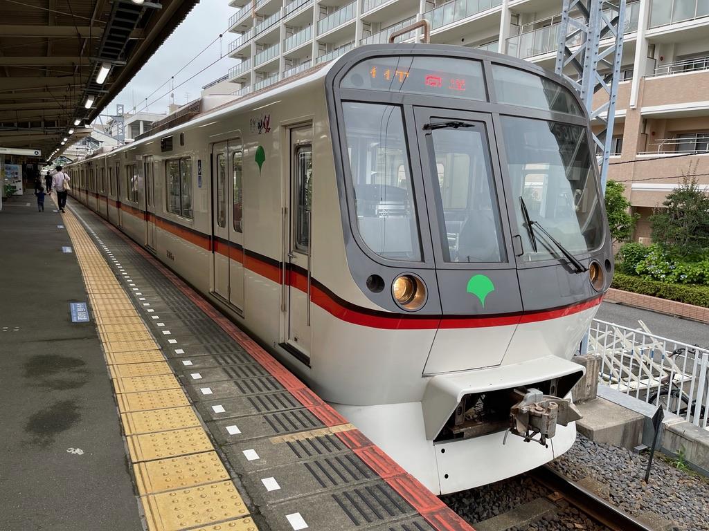 終点の京成佐倉駅4番線に到着した都営5316F回送(2021/7/3)