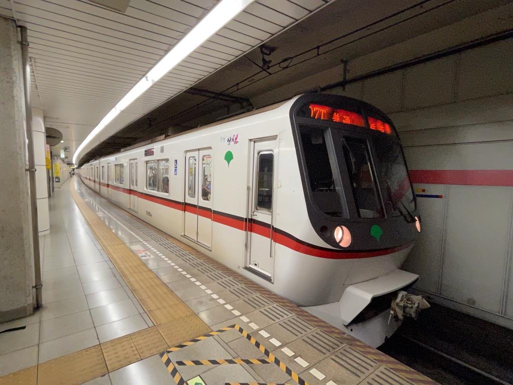 戸越駅、五反田駅を発車する都営5320F泉岳寺行き(2021/7/3)