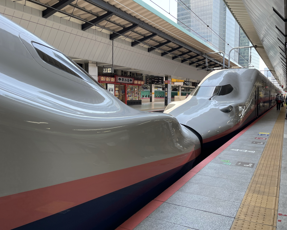東京駅21番線に停車中のE4系Maxとき・Maxたにがわ321号新潟・ガーラ湯沢行き(2021/4/11)